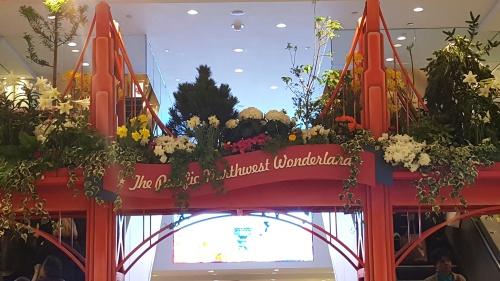 Macys Flower Show Image by KatieSheaDesign 2016 VZWBuzz (20)