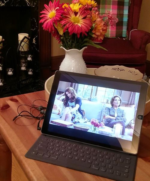gilmore-girls-streaming-with-verizon-fios-katiesheadesign-fiosny